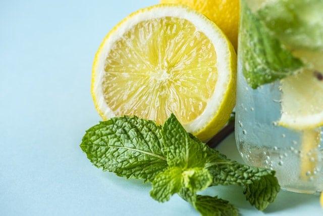 ontgiften met citroen