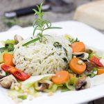 Gezonde salademet rijsten fruit recept
