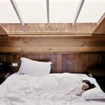 Overgewicht door slaapproblemen en slaapproblemen door overgewicht, hoe los je dit op?
